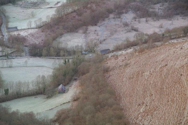 Des granges au Sarrat dans la vallée du Bergons