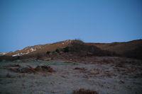 La rude montee vers le Bois des Pouzades, au fond, le Soum d'Andorre