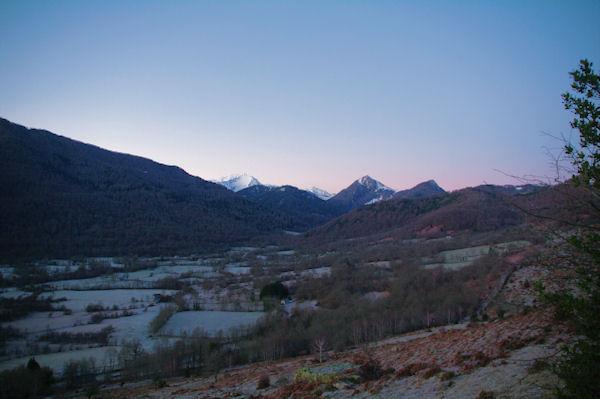 La vallée du Bergons dans la gelée matinale