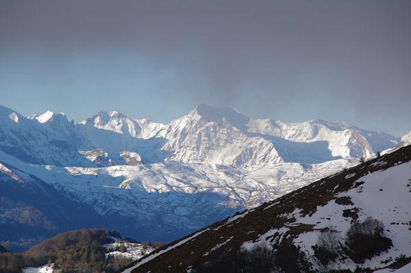 Le Col d_Aubisque, au dessus le Capéran de Sesques