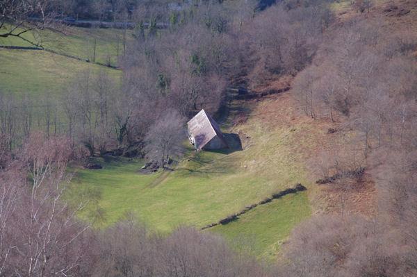 Une grange au Sarrat dans la vallée du Bergons