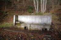 Une fontaine dans le Bois des Pouzades