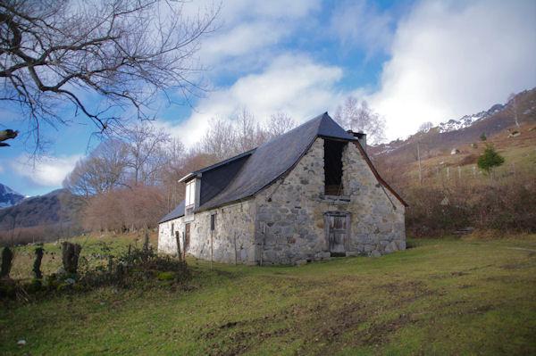 Une grange dans la vallée du Bergons