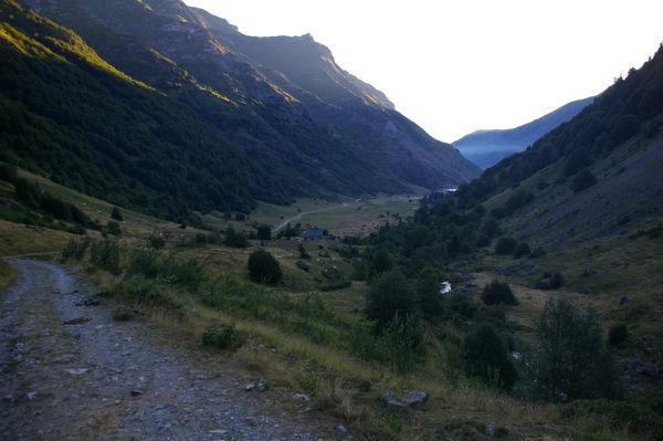 La vallée du Gave de Labat de Bun, au fond on devine le lac d&#39Estaing