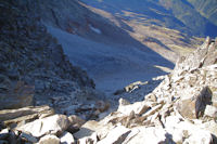 La cheminee du Lustou depuis la crete