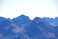 Le Pic de Perdiguere encadre par le Pic Gourdon et le Pic des Gourgs Blancs