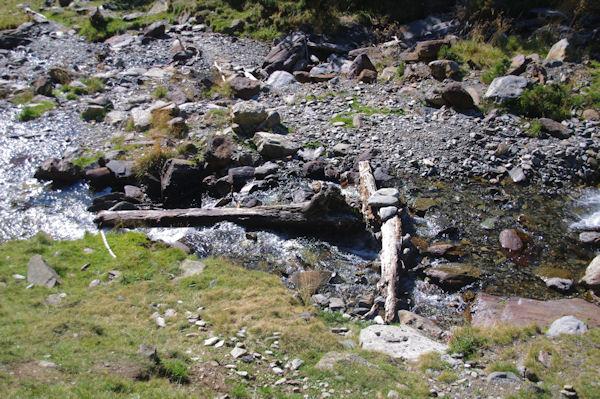 Le gué sur le ruisseau de la Piarre