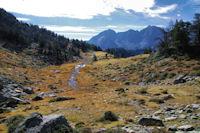 Petit vallon aux couleurs d'automne sous le Pic d'Aumar