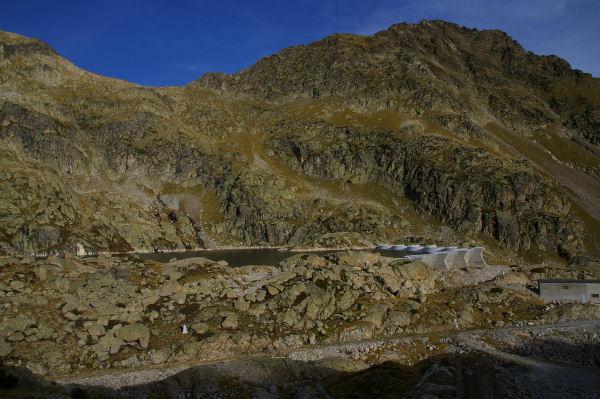 Le lac et le barrage de Migouelou
