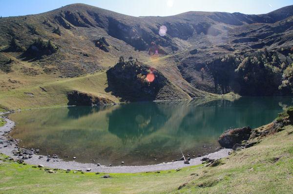 Le Lac de Bordères ou de Bareilles dominé par la Hourgue de la Fousserette et le Sommet Deres Hèches