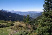 La Vallee de Bareilles, a gauche, L'Arbizon puis le Pic du Midi de Bigorre, a droite, la Signal de Bassia