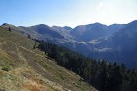 Le Pic et le Col du Lion, Sommet du Tech, le Sommet du Jambet et la Montagne de l'Erm entourant le Lac de Borderes ou de Bareilles