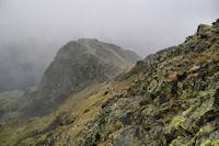 Les cretes menant au Pic de Montaigu, dans la tempete de neige...