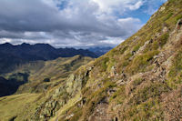 Petit passage raide avant d'arriver au Col des Rosques