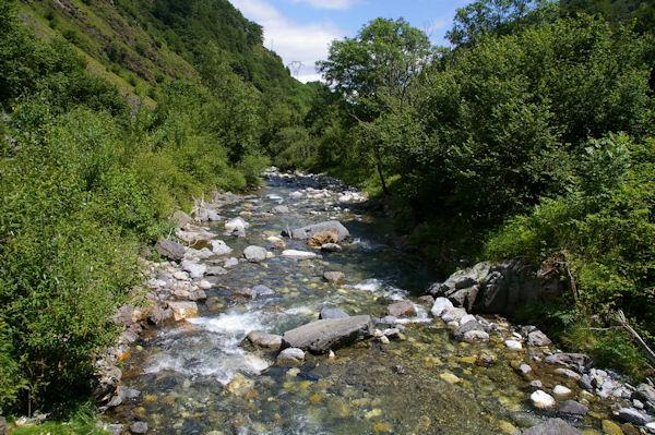 Le Gave d_Arrens depuis le Pont d_Ourey