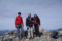 Camille, Jacques et Fred au sommet du Pic de la Munia
