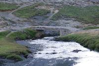 Le pont d'acces au parking