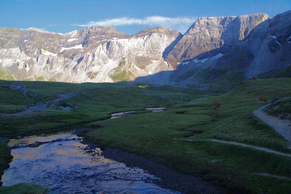 Pic de Troumouse, Pic de Serre Mourene, Pic de la Munia, Mont Arrouy et Pene Blanque