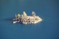 Un ilet dans le Lac d'Aubert