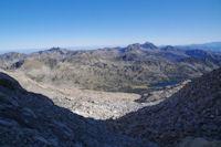 En remontant le vallon du Glacier de Neouvielle