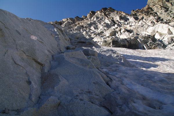 La voie permettant d_éviter la glace vive du Glacier de Néouvielle