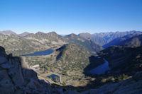 Les Lacs d'Aubert et d'Aumar et les Laquettes depuis les cretes de Barris d'Aubert