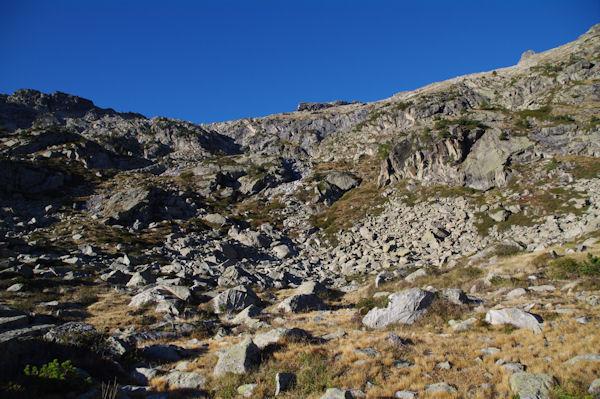La Montagne des Laquettes surmontée par la crête des Laquettes