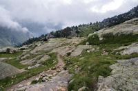 Dalles lisses au dessus de la vallee d'Arratille