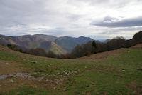 La vallee du Bergons depuis le Col de Liar, le Pic du Pibeste a droite