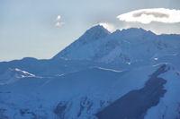 Le Pic du Midi de Bigorre et le dessin des cretes du Pic de Nerbiou et du Soum de Maucasau