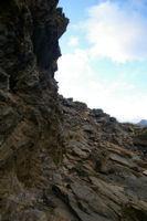 Le chemin au dessus du Barrancoue d'Ossoue taille dans le roc