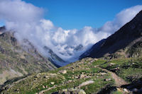 La vallee de Gaube, embrumee