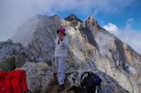 Marie Francoise au sommet du Petit Vignemale