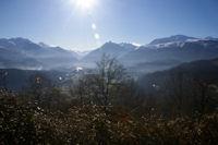 La vallee du Gave de Pau et Argeles Gazost au centre, le Pic de Viscos et plus a droite le Pic de Cabaliros