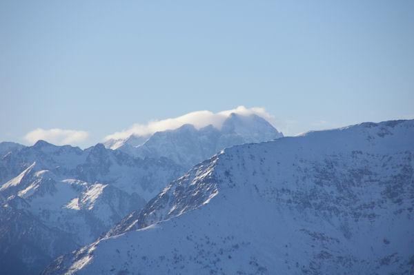 Le Vignemale embrumé depuis le Pic du Pibeste