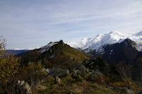 Le Pic Arrouy depuis le Pic de Pan, au fond, le Cabaliros enneige
