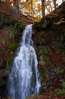 Une cascade au bord de la route des Borderes