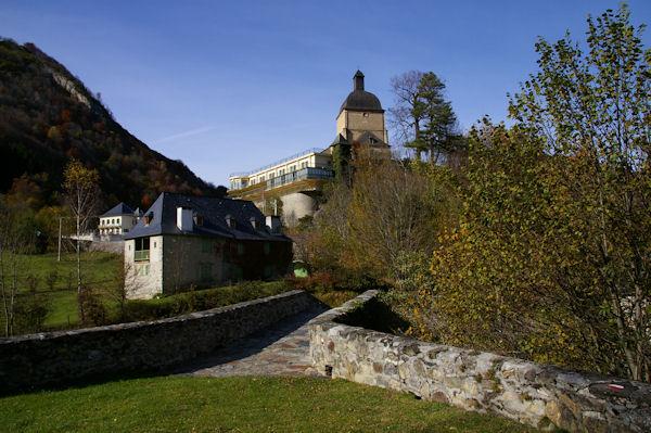 Le pont du Labadet et la Chapelle de Pouey Laün à Arrens