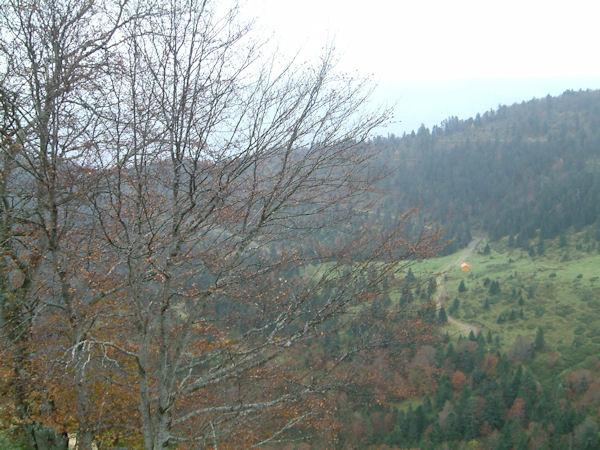 La cabane de Marioulète depuis les flancs du Pic de azes