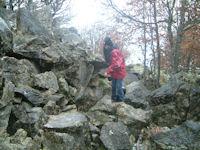 Camille dans la montee au Pic de Bazes