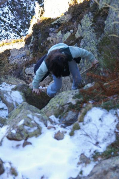 Un dernier effort de Cammile pour atteindre le sommet du Pic de Pan