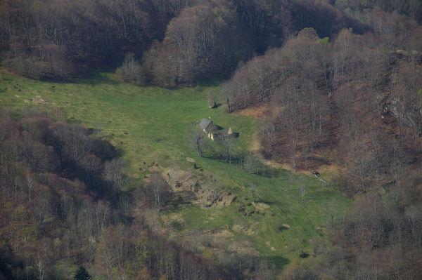 Deux granges sous le Pic du Midi d'Arrens