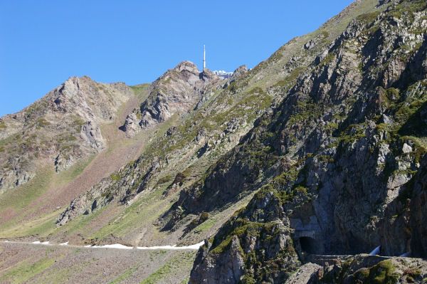 Première apparition du Pic du Midi de Bigorre