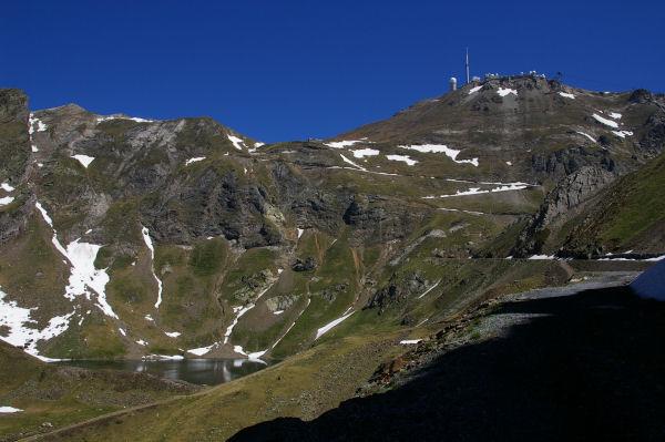 Vue du lac d&#39Oncet et le Pic du Midi de Bigorre