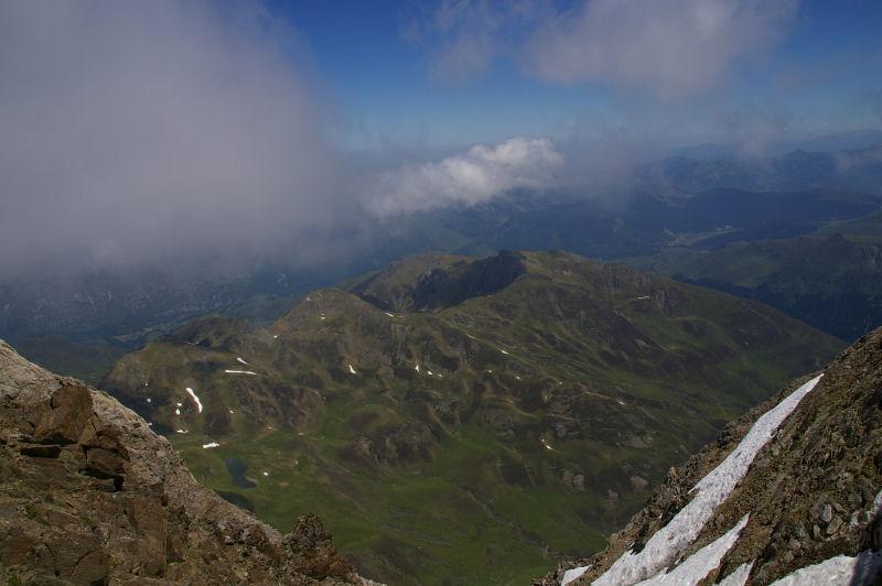 Vue de la vallée d&#39Arizès depuis le Pic du Midi de Bigorre