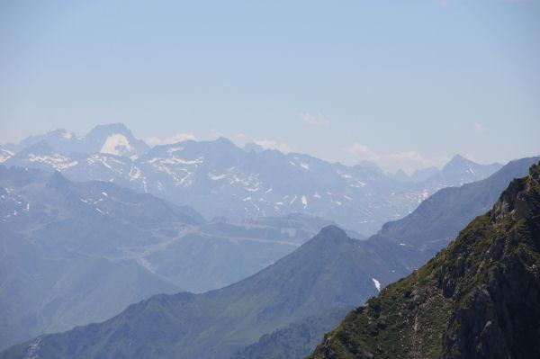 Au fond à gauche le Balïtous et son glacier