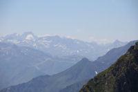 Au fond a gauche le Balitous et son glacier