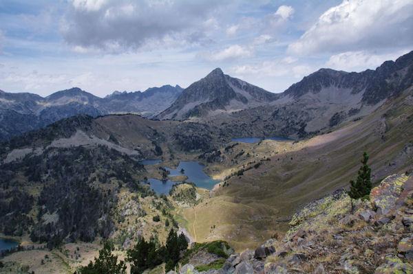 Les Lacs de Bastant dominés par le Pic de Bastan et le Pic de Portarras