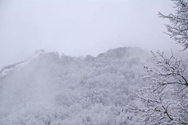 Le Pic de Pan det le Tuc de Picou dans la brume