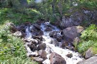 Petite cascade sur le Gave de Gaube